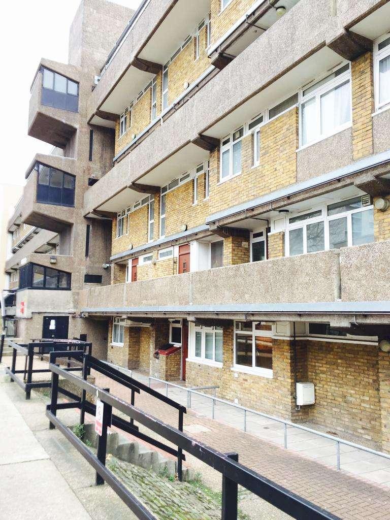 3 Bedrooms Maisonette Flat for sale in Brokmer House, Crowder Street, London E1