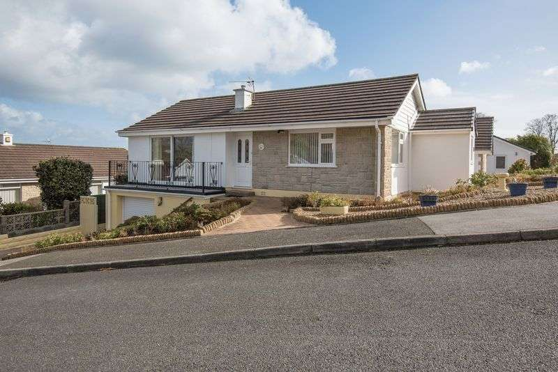 2 Bedrooms Detached Bungalow for sale in Queen Anne Gardens, Falmouth