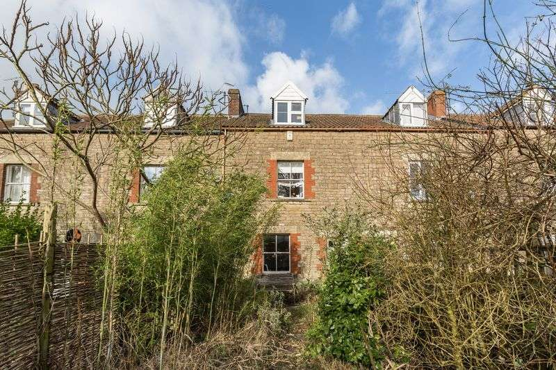3 Bedrooms Terraced House for sale in Keyford Gardens, Frome