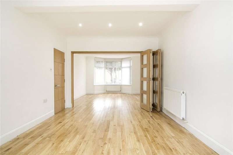 5 Bedrooms House for sale in Esk Road, London, E13