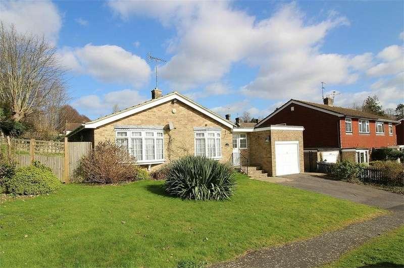 3 Bedrooms Detached Bungalow for sale in Grange Road, Uckfield, East Sussex