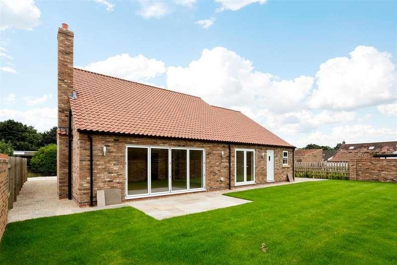 4 Bedrooms House for sale in Chapel Court, Hayton, York