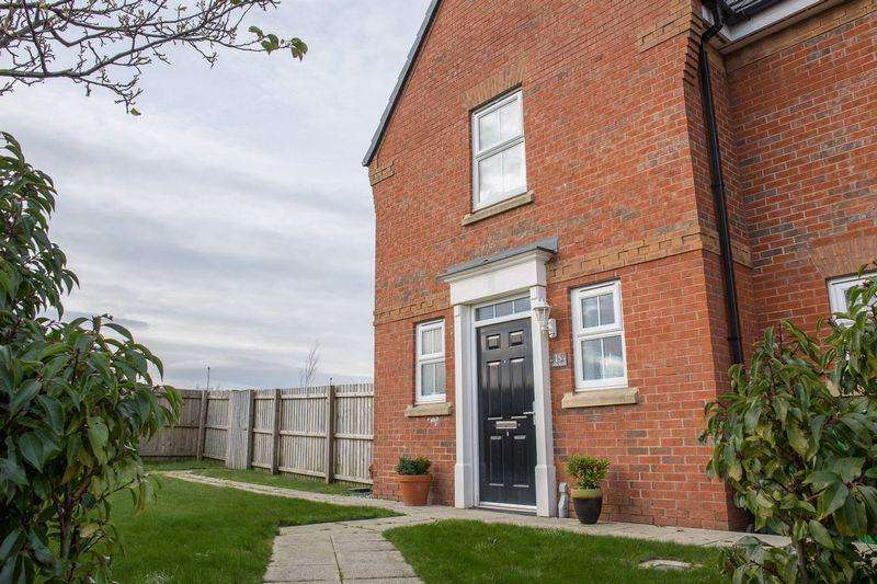 2 Bedrooms Semi Detached House for sale in Cook Road, Kingsway, Rochdale OL16 4AQ