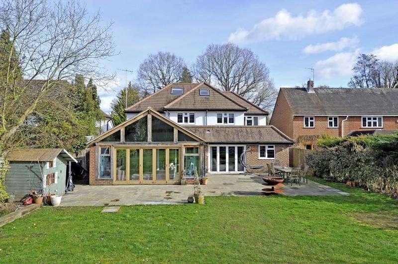 5 Bedrooms Detached House for sale in 46 Linersh Wood, Bramley, Guildford