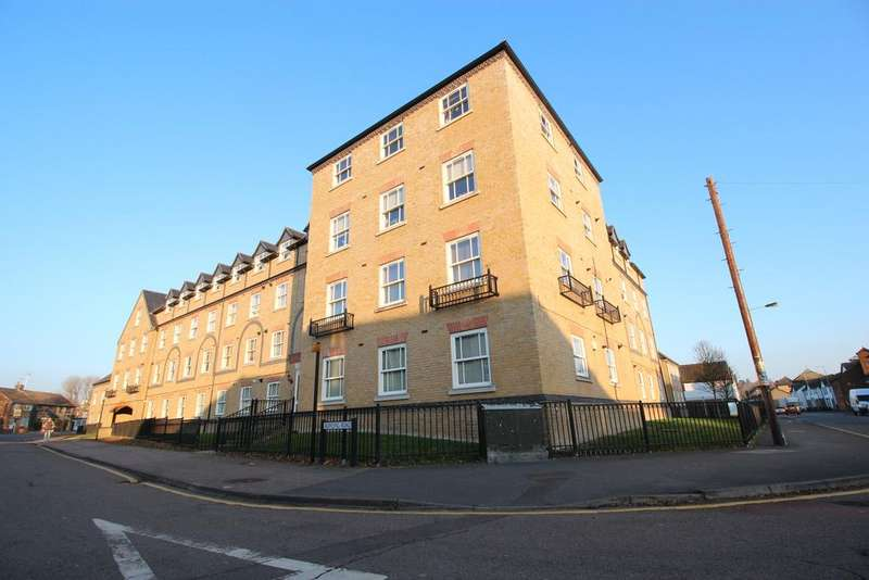 1 Bedroom Apartment Flat for sale in Bowsher Court, Bowling Road, Ware, Hertfordshire SG12