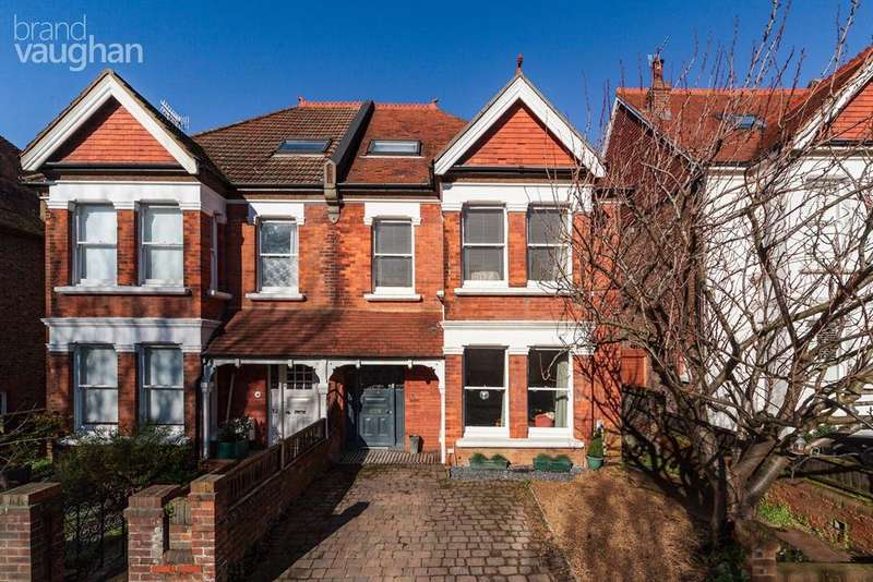 5 Bedrooms Semi Detached House for sale in Bigwood Avenue, Hove, BN3