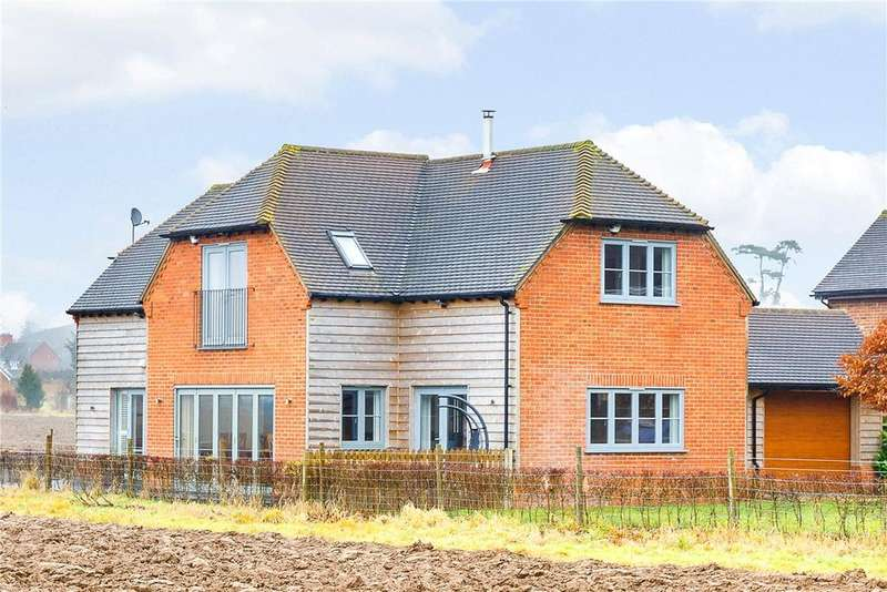 4 Bedrooms Detached House for sale in Freshfields Lane, Chieveley, Newbury, Berkshire, RG20