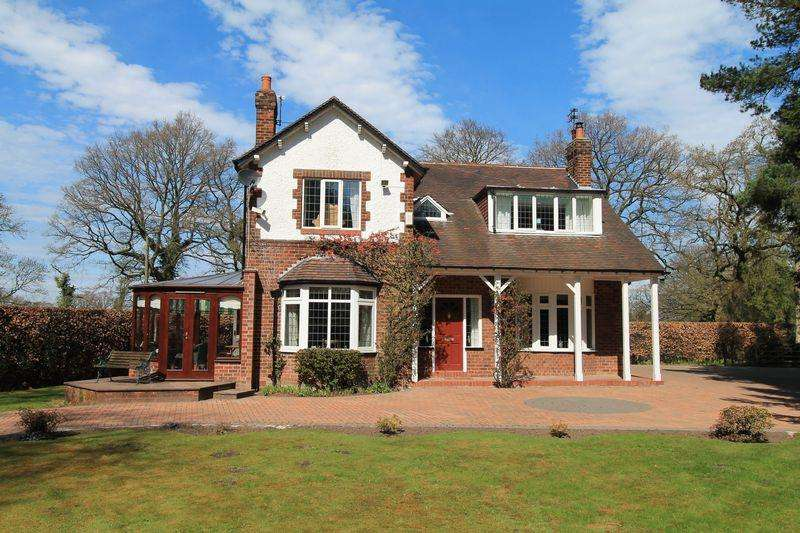4 Bedrooms Detached House for sale in Davenport Lane, Mobberley