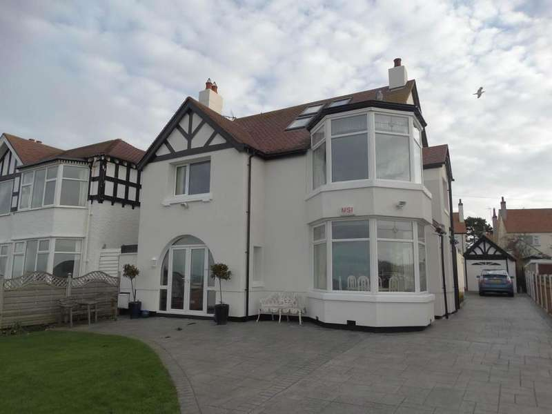 5 Bedrooms Detached House for sale in 81 Marine Drive, Rhos on Sea, LL28 4HT