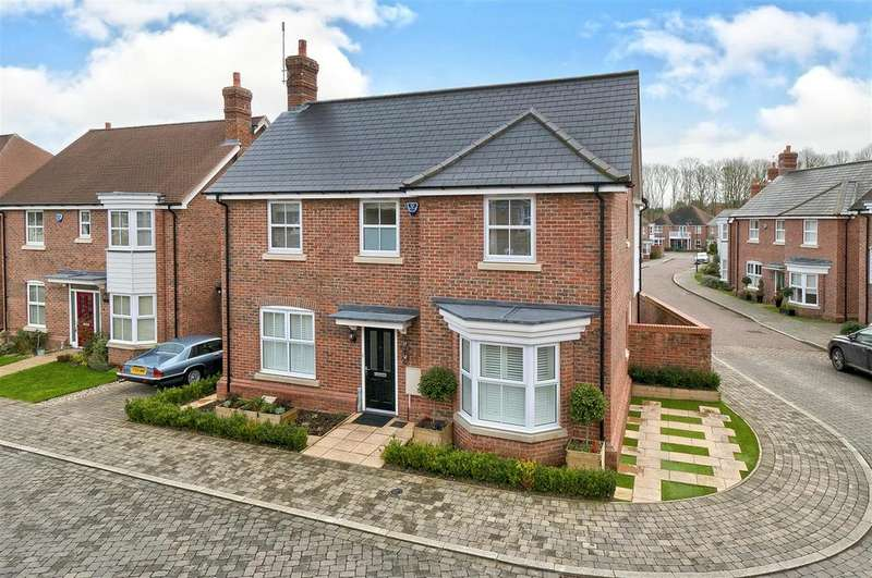 4 Bedrooms Detached House for sale in Atlas Close, Kings Hill, ME19 4PS
