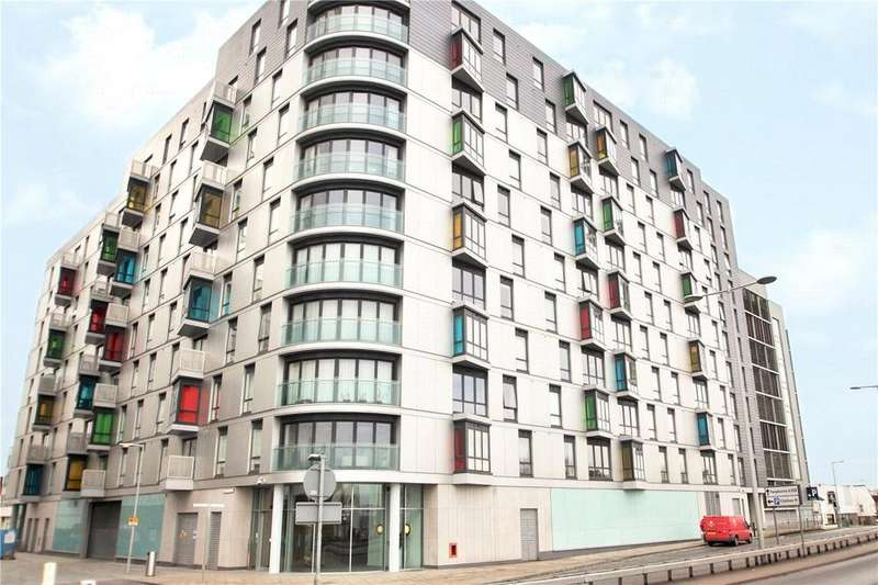 2 Bedrooms Penthouse Flat for sale in Hunsaker, Alfred Street, Reading, Berkshire, RG1