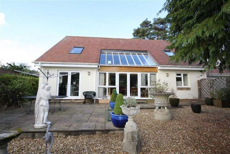 4 Bedrooms Detached House for sale in Gainsborough Road, Ashley Heath, Ringwood