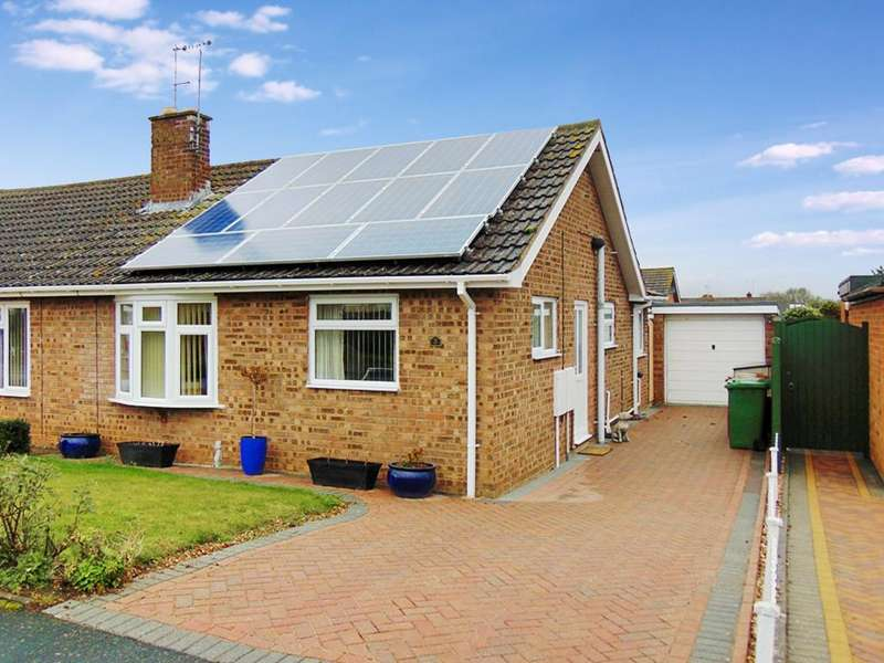 2 Bedrooms Semi Detached Bungalow for sale in Drysdale Close, Wickhamford