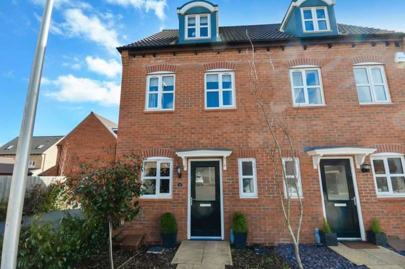 3 Bedrooms Semi Detached House for sale in Ryknield Road, Hucknall, Nottingham, NG15