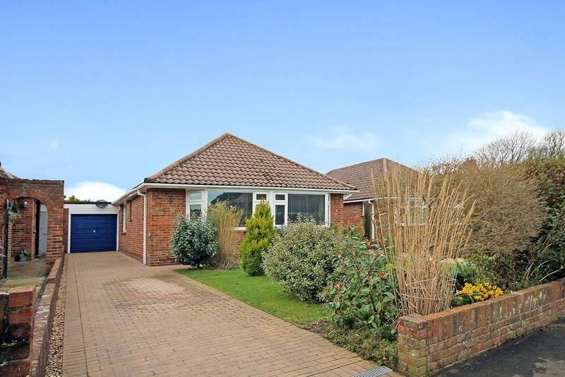 3 Bedrooms Detached Bungalow for sale in Fernhurst Drive, Goring-by-sea, BN12 5AS