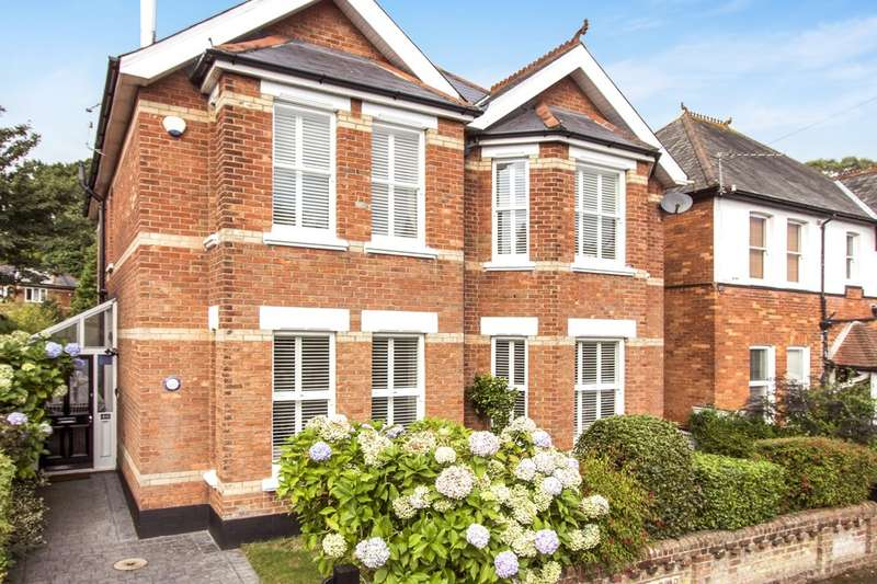 4 Bedrooms Detached House for sale in Alum Chine