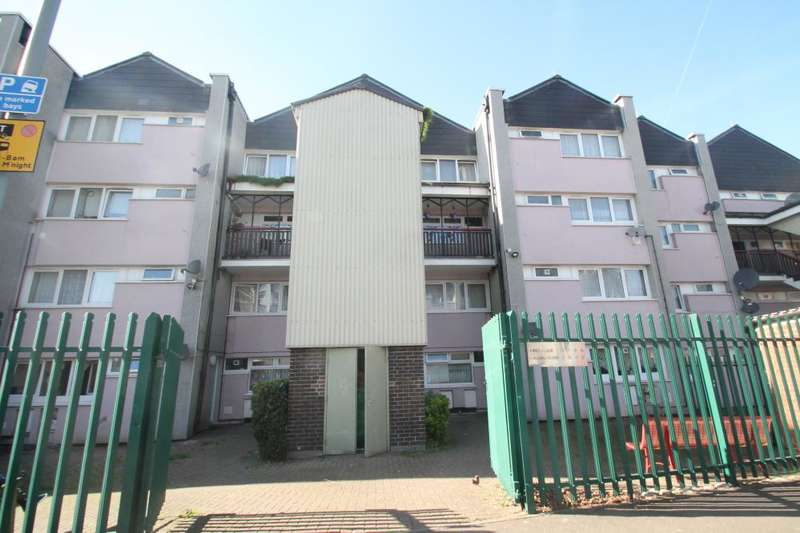 3 Bedrooms Maisonette Flat for sale in ORSETT TERRACE, WOODFORD GREEN