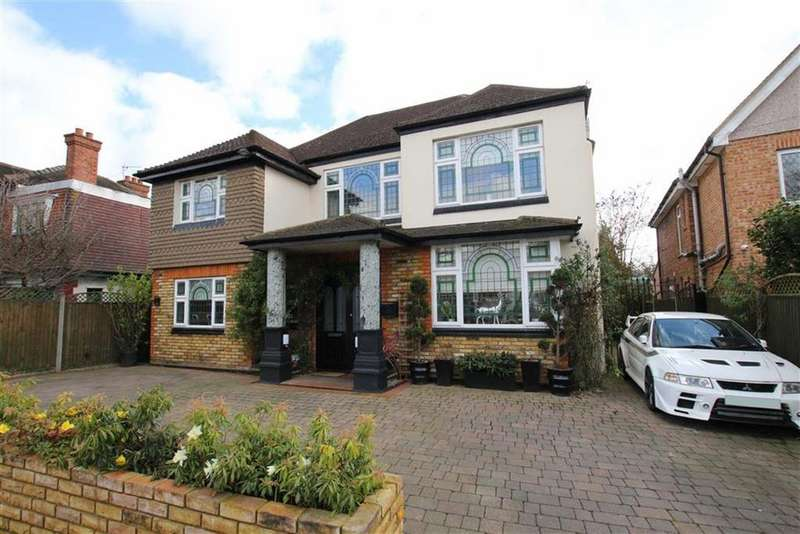 4 Bedrooms Detached House for sale in Myddelton Park, Whetstone, London