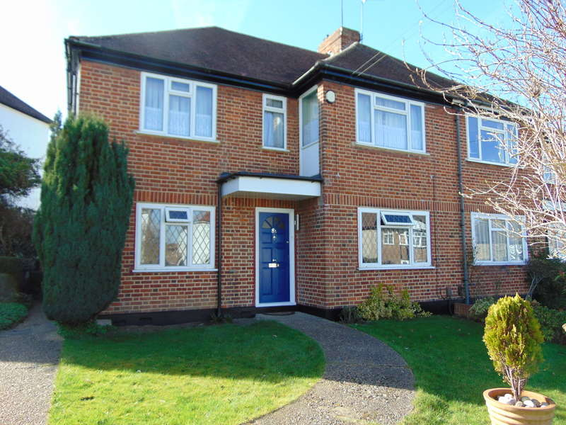 2 Bedrooms Ground Maisonette Flat for sale in Abbey Road, South Croydon, Surrey, CR2 8NG