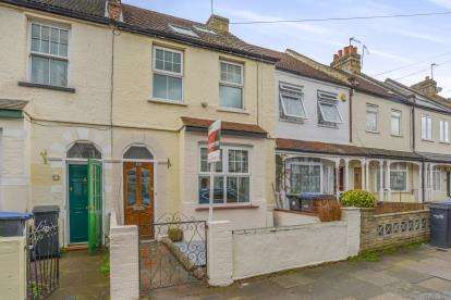3 Bedrooms Terraced House for sale in Percival Road, Enfield, London, Enfield