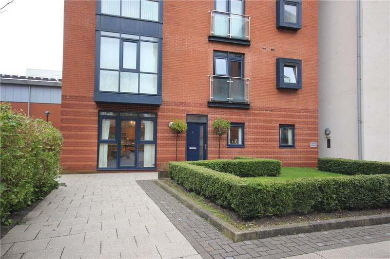 3 Bedrooms Apartment Flat for sale in Union Road, Solihull, West Midlands, B91