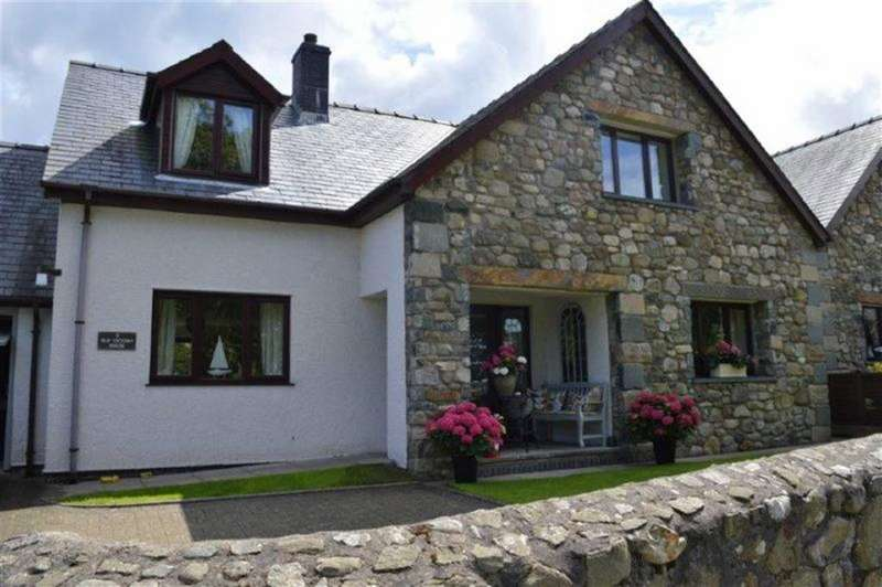 4 Bedrooms Detached House for sale in 2, The Old Victory House, Llwyngwril, Gwynedd, LL37