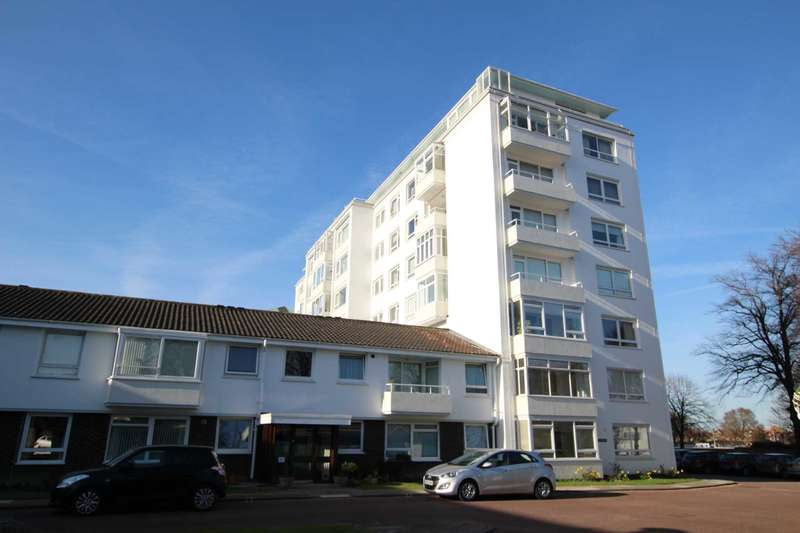 3 Bedrooms Flat for sale in Compton Place Road, Eastbourne, BN21 1DX