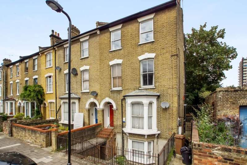 2 Bedrooms Maisonette Flat for sale in Heyworth Road, London