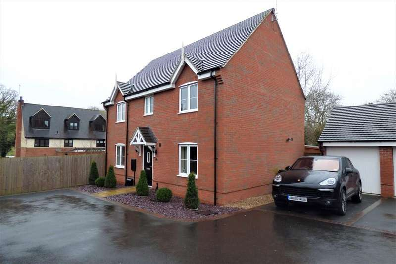 4 Bedrooms Detached House for sale in Ridge End Drive, Burton-on-Trent