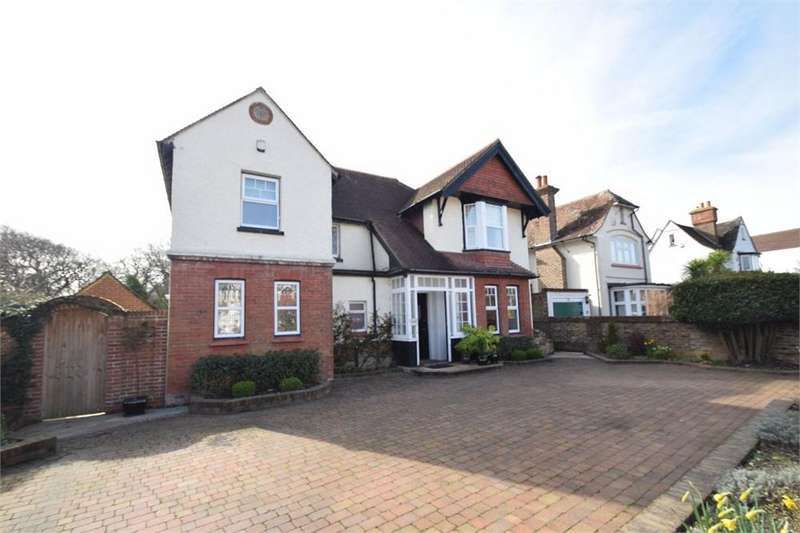 4 Bedrooms Detached House for sale in Rosebery Avenue, West Hampden Park, East Sussex