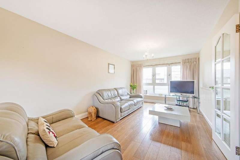 3 Bedrooms Flat for sale in Rosebank Gardens, Bow, E3