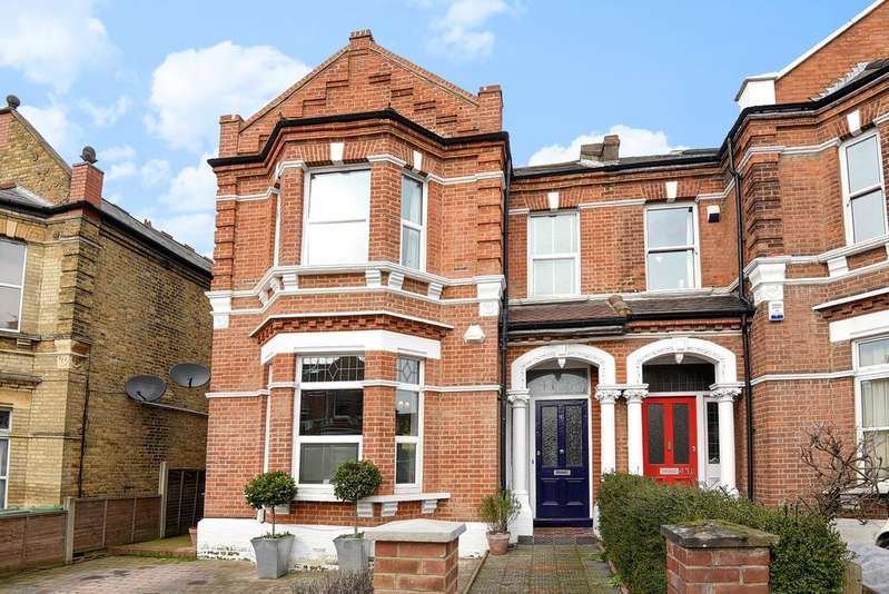 4 Bedrooms Semi Detached House for sale in Manor Road Beckenham BR3