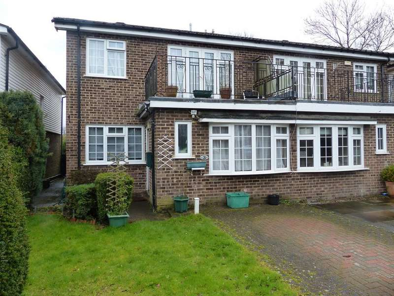 4 Bedrooms Semi Detached House for sale in Stour Close, Keston, BR2