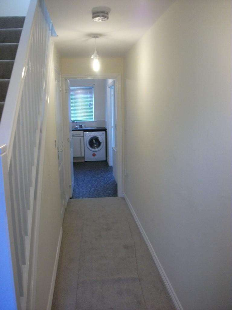 4 Bedrooms Semi Detached House for rent in 31 Locke Drive
