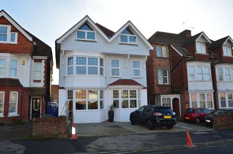 1 Bedroom Flat for sale in Buckhurst Lodge, Buckhurst Road, Bexhill-on-Sea TN40