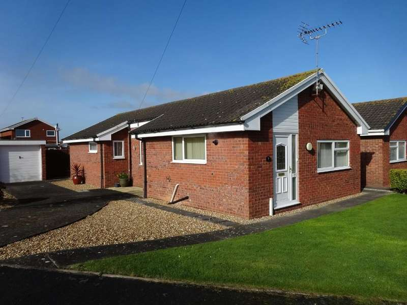 3 Bedrooms Detached Bungalow for sale in Llys Catrin, Rhyl