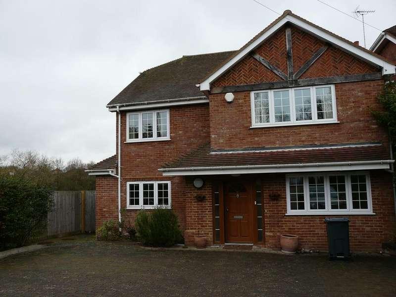 6 Bedrooms Detached House for rent in Fullers Road, Rowledge GU10