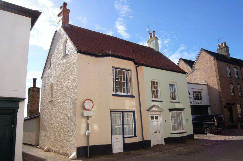 3 Bedrooms Semi Detached House for sale in St. Mary Street, Monmouth