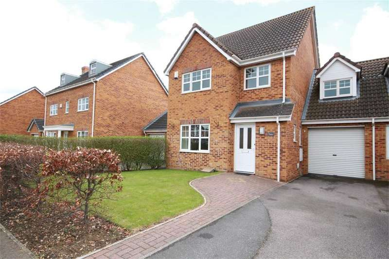 4 Bedrooms Link Detached House for sale in Station Close, Henlow, SG16