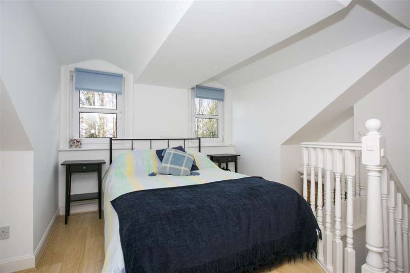 3 Bedrooms Property for sale in Church Fields, West Malling