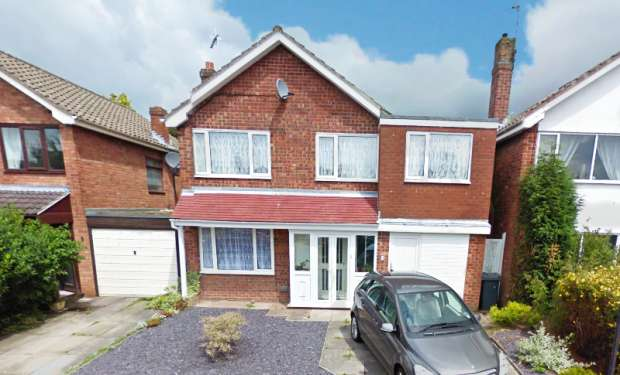 4 Bedrooms Detached House for sale in Bladon Crescent, Stoke-On-Trent, Staffordshire, ST7 2BG