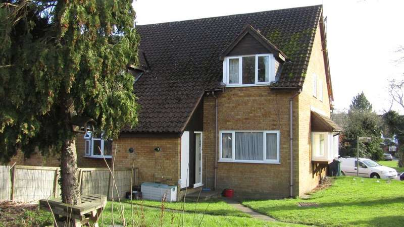 1 Bedroom House for sale in Boleyn Way, New Barnet, Herts EN5
