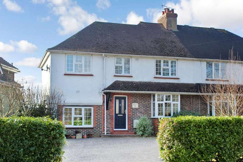 4 Bedrooms Semi Detached House for sale in Fryern Road, Storrington