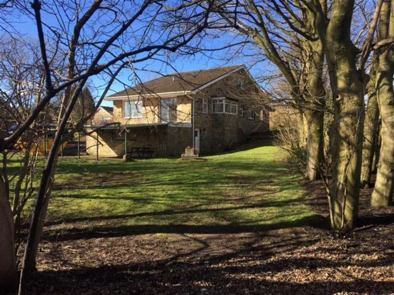 4 Bedrooms Detached House for sale in Moor View, Meltham, Holmfirth, HD9