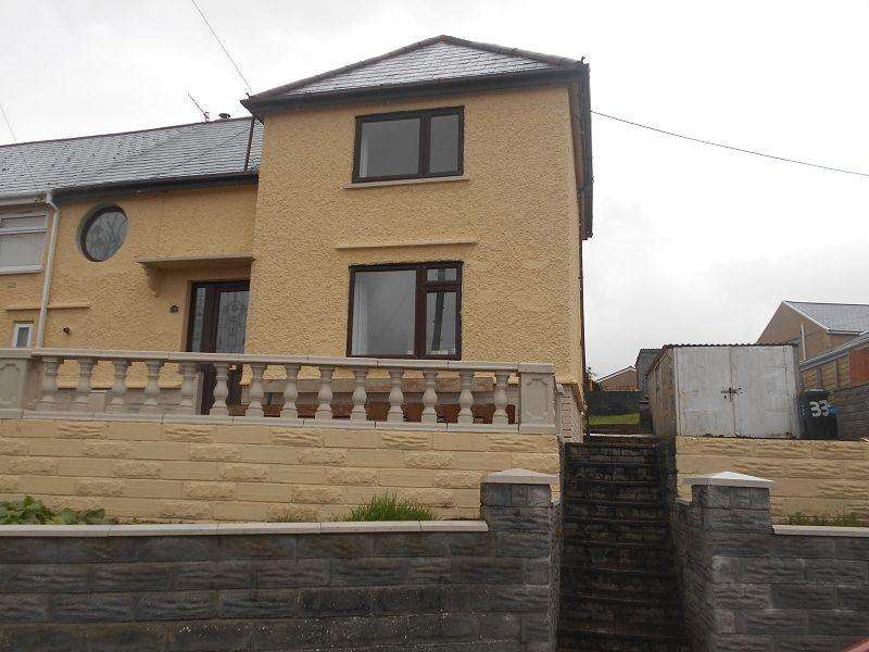 3 Bedrooms Semi Detached House for sale in Giants Grave Road, Neath, Neath Port Talbot.