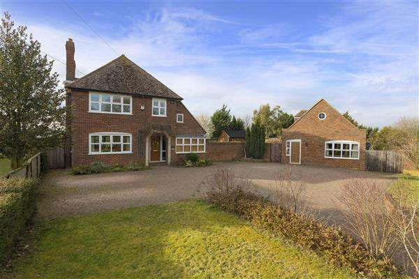 5 Bedrooms Detached House for sale in Halfacre House, Lynsted Lane, Lynsted