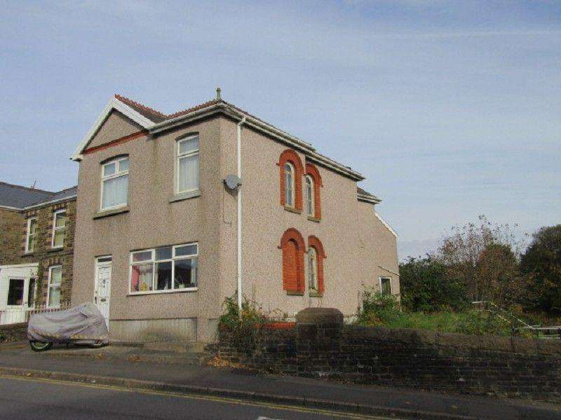 3 Bedrooms Detached House for sale in Vardre Road, Clydach, Swansea.