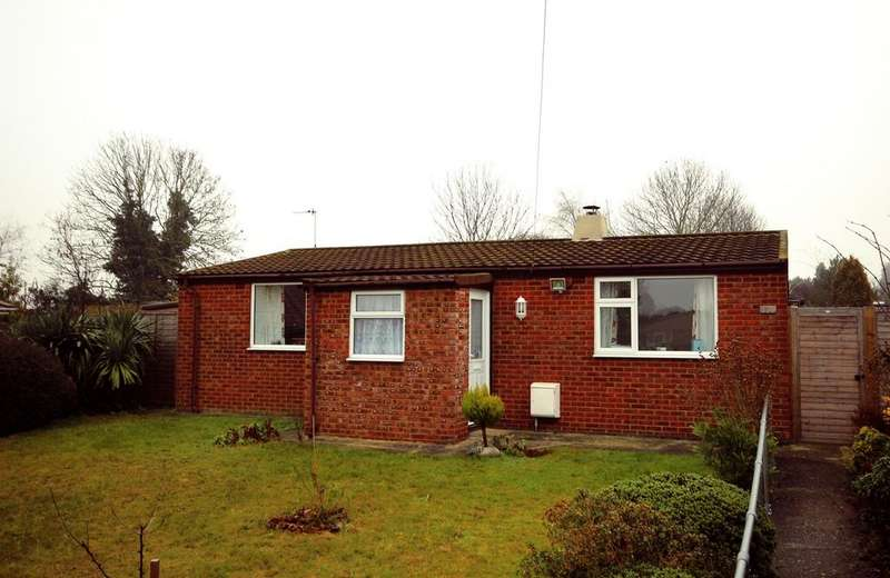 2 Bedrooms Detached Bungalow for sale in Lymans Road, Arlesey, SG15