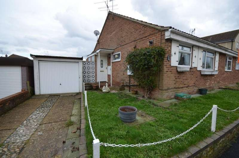 2 Bedrooms Semi Detached Bungalow for sale in Blackthorn Road, Witham