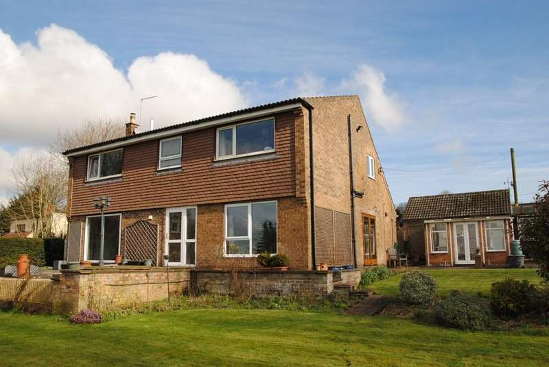 4 Bedrooms Detached House for sale in Bonby, Brigg, North Lincolnshire
